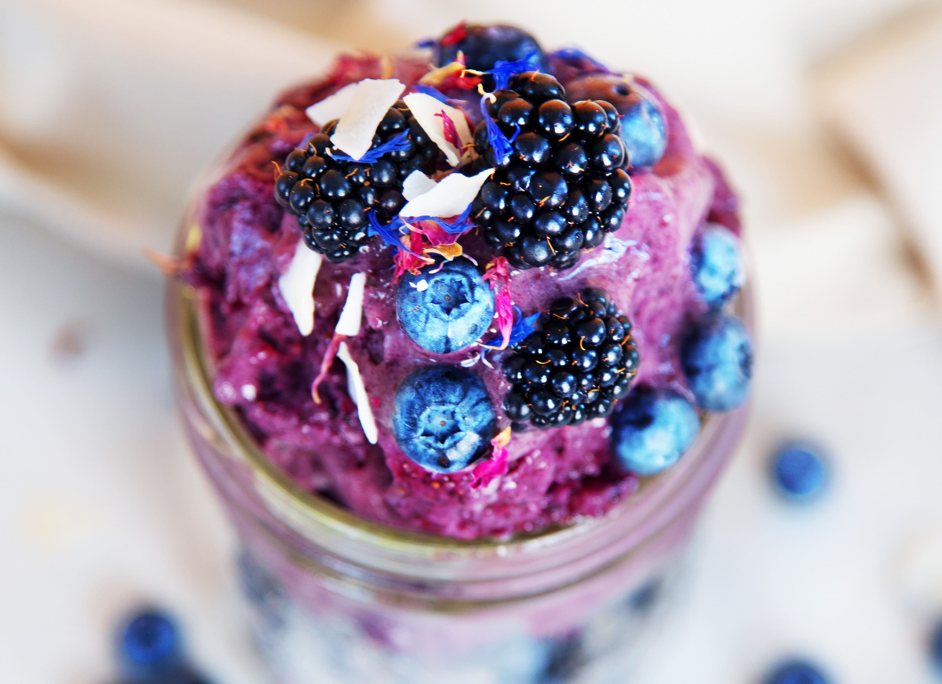 Blaubeer-Chia-Nicecream