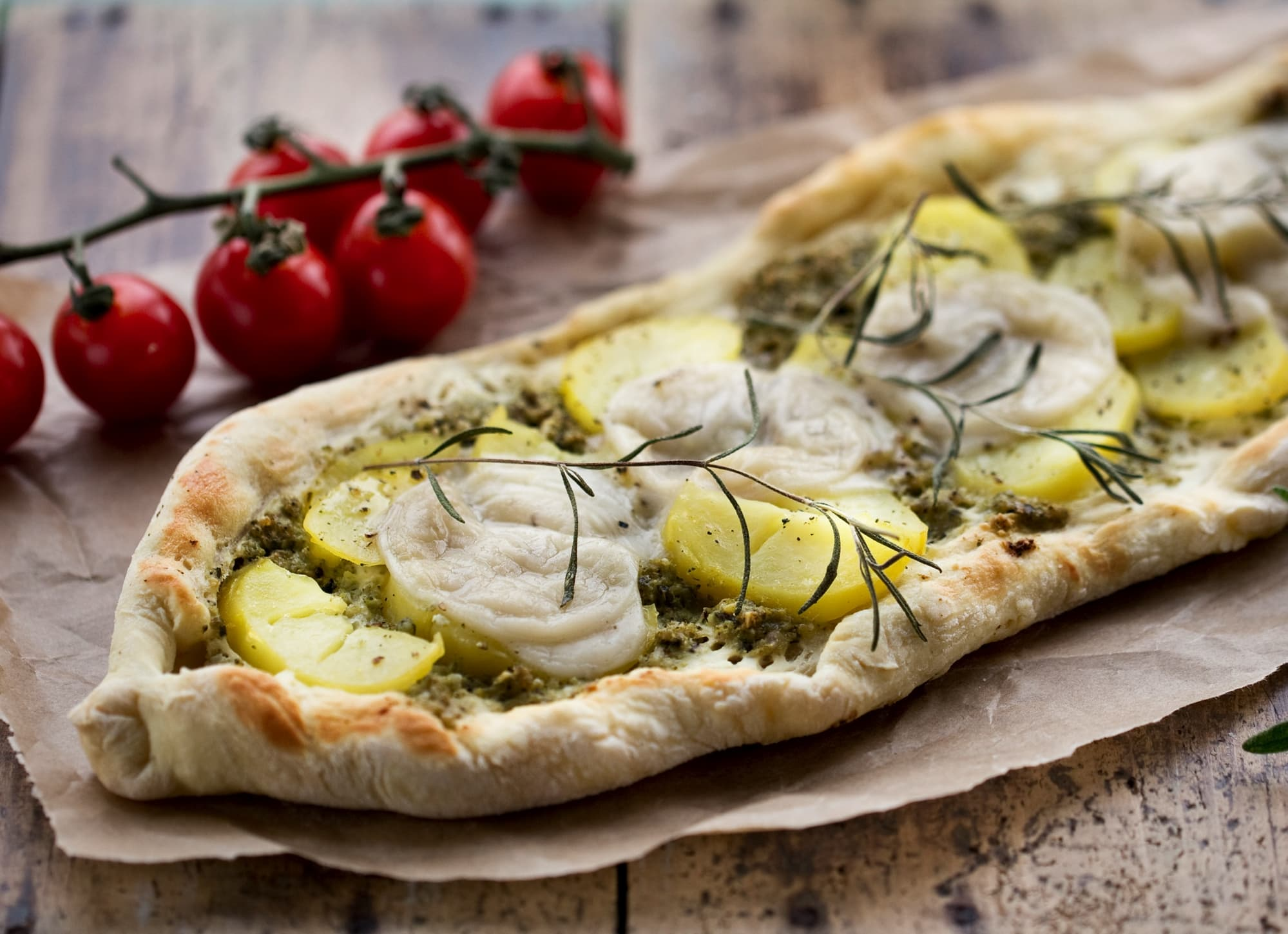 PIZZA PATATA MIT BROKKOLI-PESTO